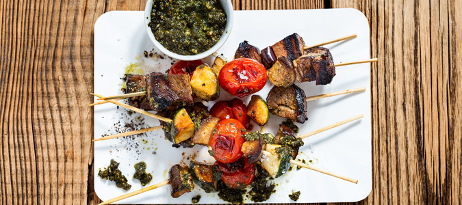 Fire up your tastebuds with a sensational spread of Chef Hasan de Four's signature Caribbean dishes.